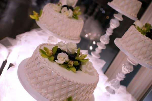 wedding-cake-decorations-1381003048XON